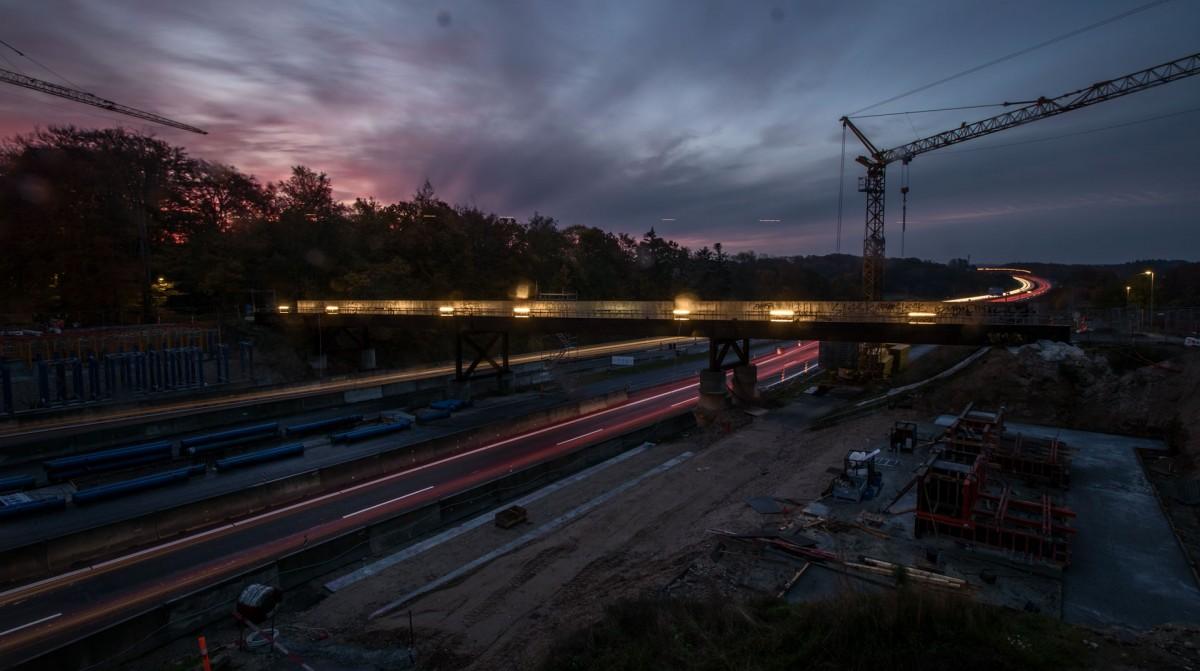 Timelapse af konstruktion af motorvejsbro over M14 - Vejdirektoratet
